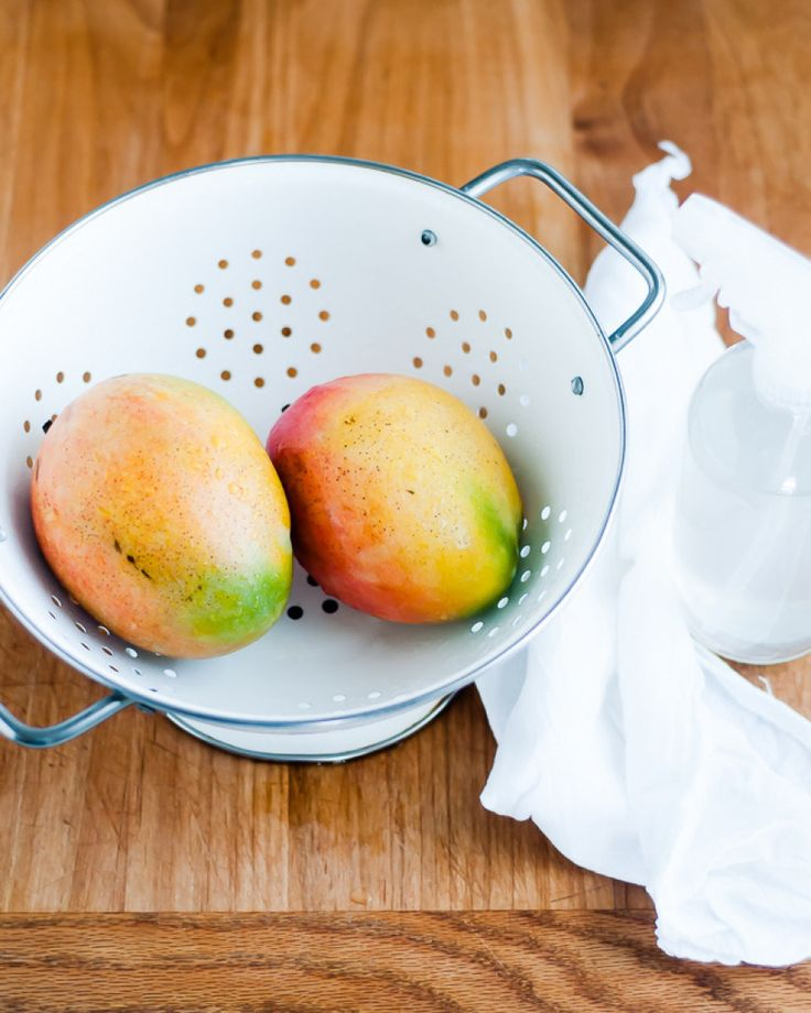 DIY fruit and veggie wash: http://www.stylemepretty.com/living/2014/12/22/30-diy-green-cleaners-to-try/ | DIY: Hello Natural - http://hellonatural.co/