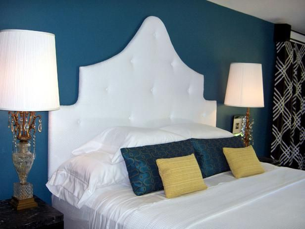 Interesting use of blue: Wall Colors, Decor Ideas, Decor Bedrooms, Bedrooms Design, Blue Wall, Blue Bedrooms, Master Bedrooms, Bedrooms Ideas, Budget Decorating