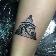 Resultado de imagen de piramide tattoo