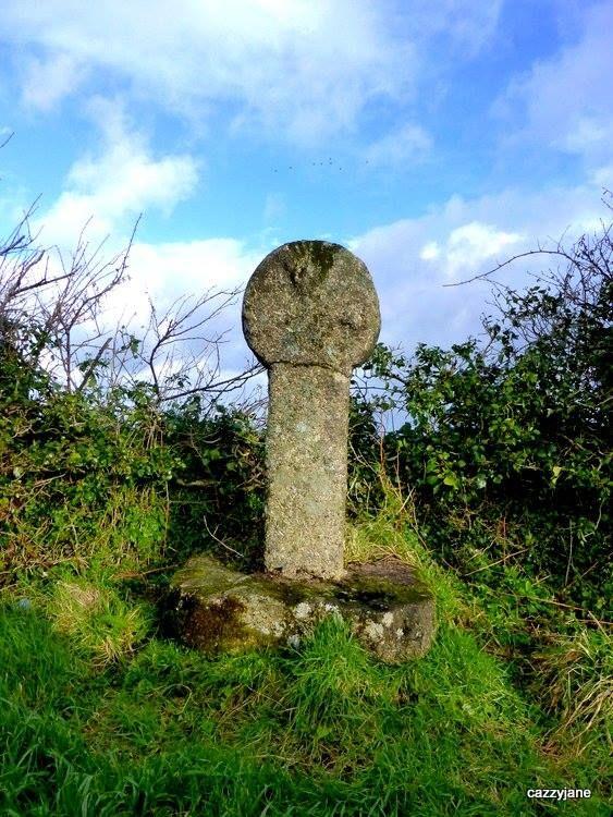 ST INGUNGER CROSS: Lanivet, Cornwall.     ✫ღ⊰n