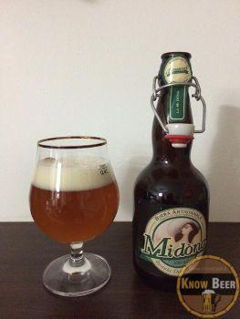 """Birra Midòna dell'Amarcord, birra più leggera rispetto alle altre """"sorelle"""", ma comunque con una schiuma abbondante e persistente."""