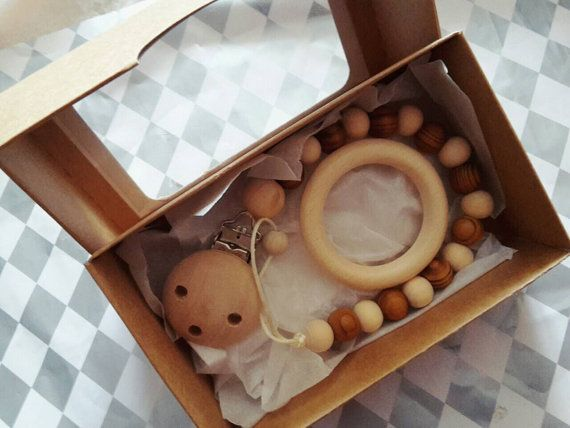 Natural chunky wooden soother clip dummy chain by LovelyCraftsHome