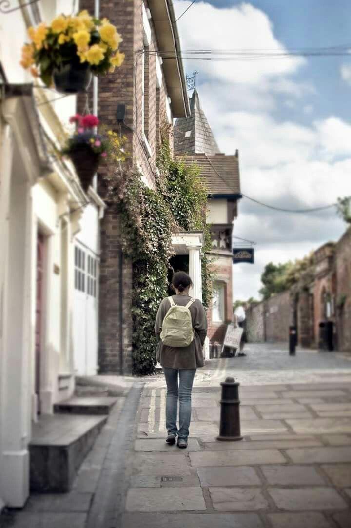 #uk # Northridge #summer #street #photo #blur