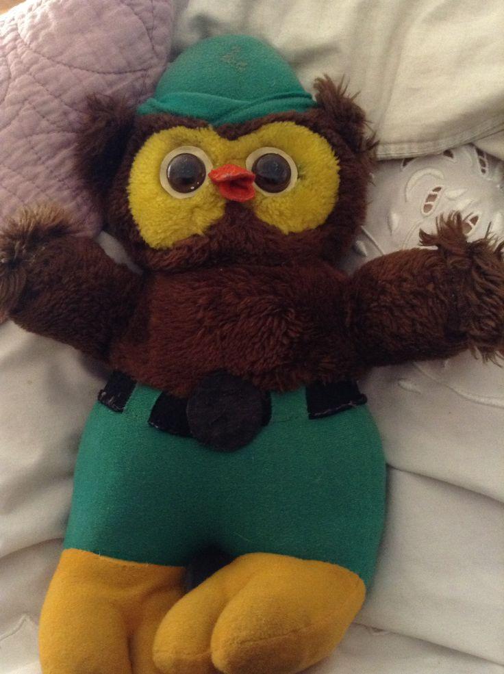 Mi Woodsy Owl de 1976. Aún brillan sus ojos en la oscuridad.