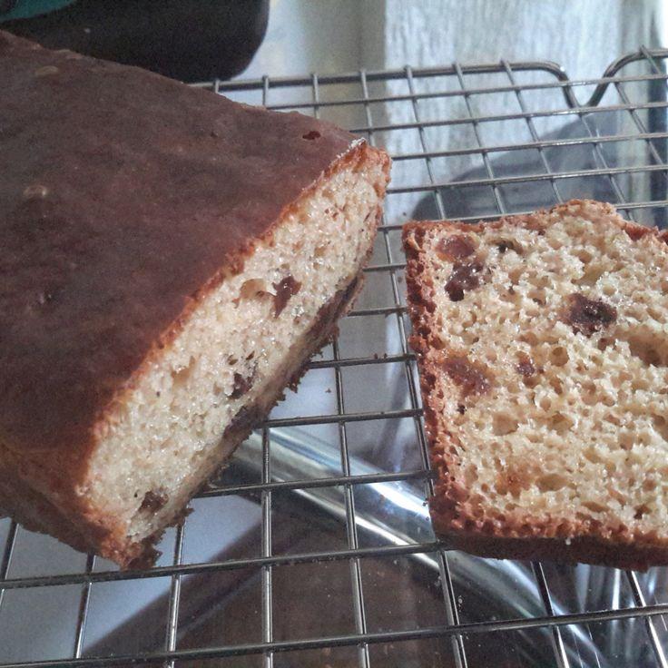 Mais uma receita para tornar o café da manhã ainda mais saboroso. Esse pão é uma delíciaeengana fácil aqueles que acham que pão sem glúten é ruim. Eles vão ver que existe uma vida deliciosa para ...