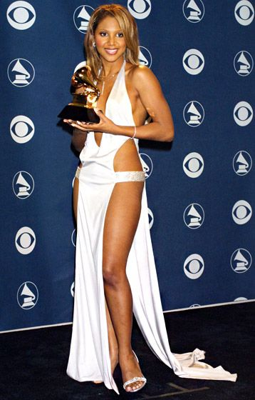 "Worst Slit -LOL Whoa! Even J.Lo cringed at Toni Braxton's ultra-revealing Richard Tyler ""dress"" in 2001"