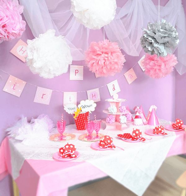 ●バースデープランナー卒業制作 PINK CUTE PARTY ピンクをテーマカラーに、夢のようにかわいらしくてふんわりした印象のお誕生日パーティーデコレーション