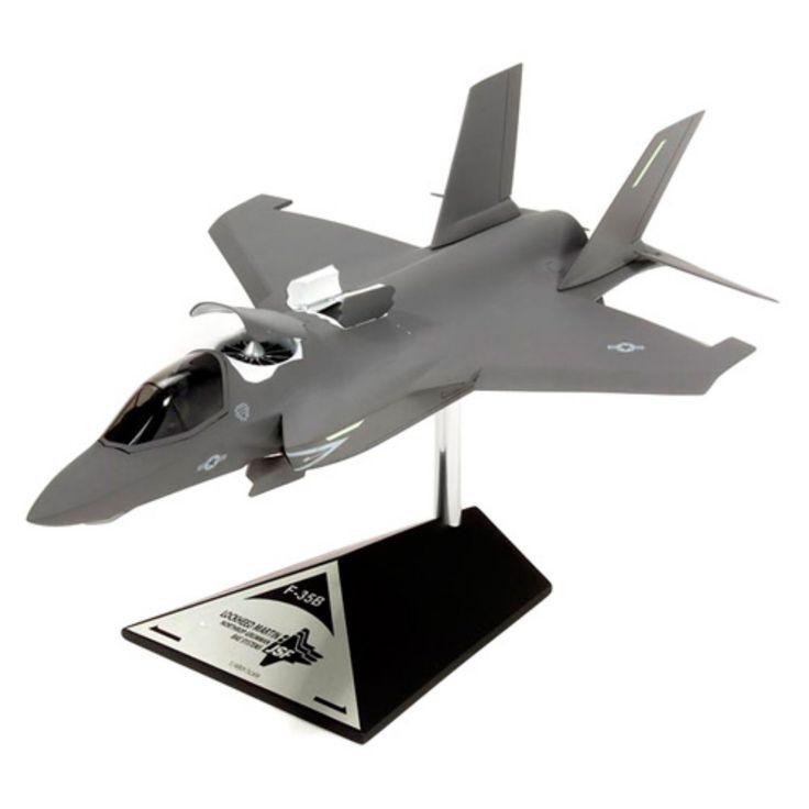 Daron Worldwide STOVL F35B USMC Model Airplane - CF035BMCCTP