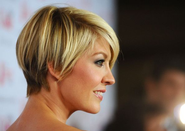More Pics of Jenna Elfman Layered Razor Cut (8 of 11) - Short Hairstyles Lookbook - StyleBistro