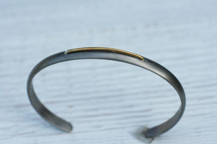 6mm Szara bransoletka z tytanu ze złotym  paskiem w Arpelc Blue na DaWanda.com