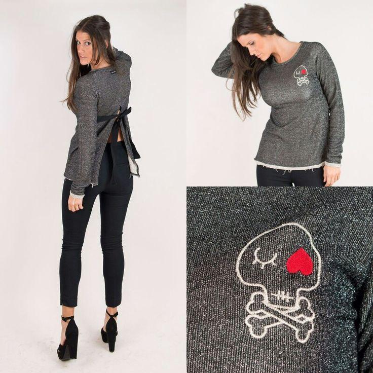 Sudadera con brillito (lurex) lazo en la espalda.  www.aireretro.es  #aireretro #camiseta #cantabria #tshirt #tanktshirt #ootd #surf #surfporn #rockstyle #rock #actitud #moda #ilustración #diseño #illustration #design #cantabria #fashion #otoño #autumn #blogger #nuevacoleccion #colindres #corazon #bohochic #hippiestyle #laredo #spring #summer #primavera #verano #ootd