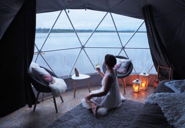 Yötön yö Aurora Dome -luksusteltassa Muonion Torassiepissä (watia.fi)