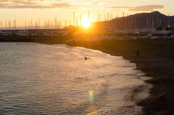 Ligurien, Sunset, Sonnenuntergang, Lavagna, Riviera, Meer, Sea, Hafen, Port, Mare, Strand, Beach, Spiaggia, Italy, Italia, Italien © Luisa Possi