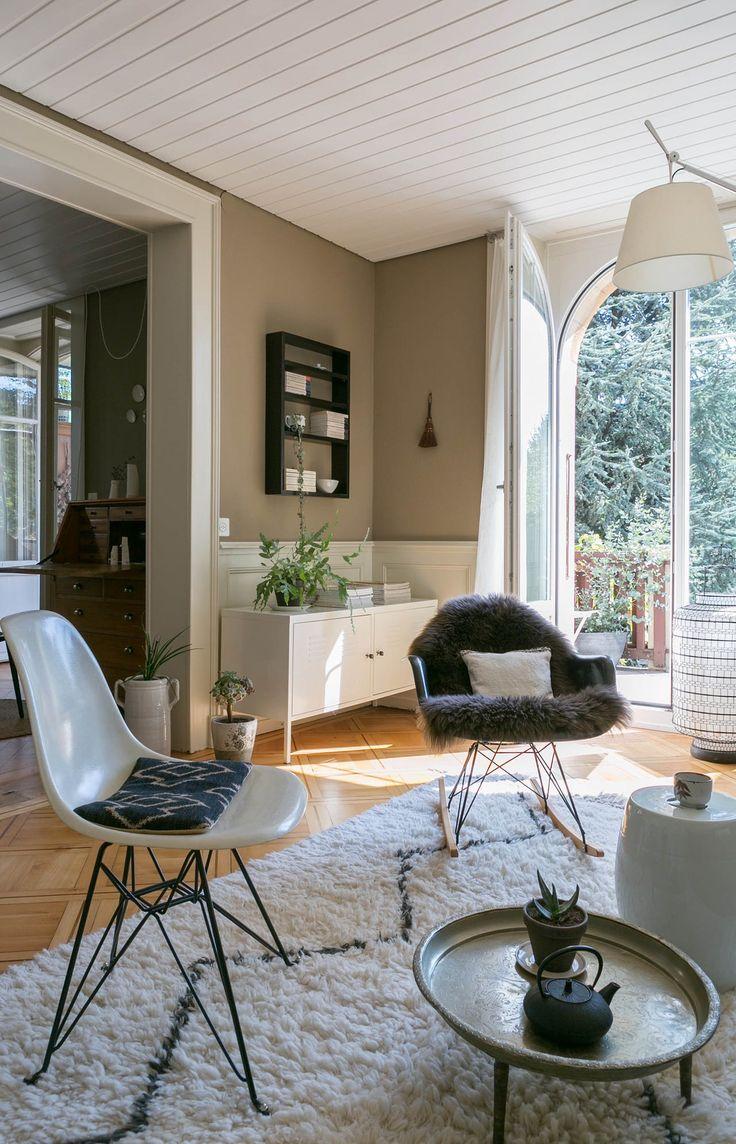 Eiffel chair living room -