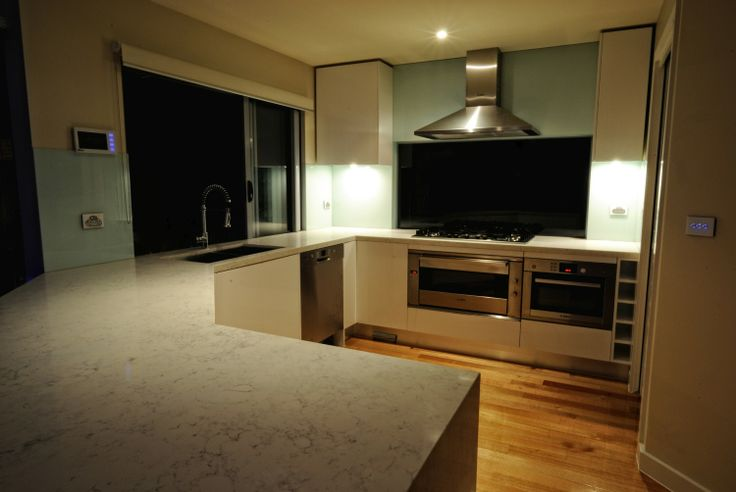 White on clear glass, never goes out of date and a great example of that is this kitchen.