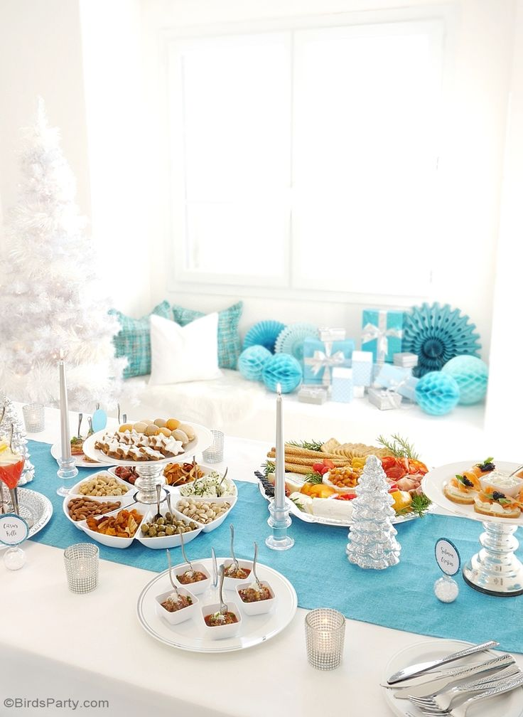 A Silver & Blue Christmas Holidays Cocktail & Appetizers Party with recipes, tablescape styling ideas and DIY decorations for Mozaik | BirdsParty.com