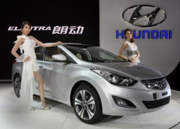 2014 Hyundai Elantra Show 600x431 2014 Hyundai Elantra Full Review, Feature, Cancept, Price With Images Complete