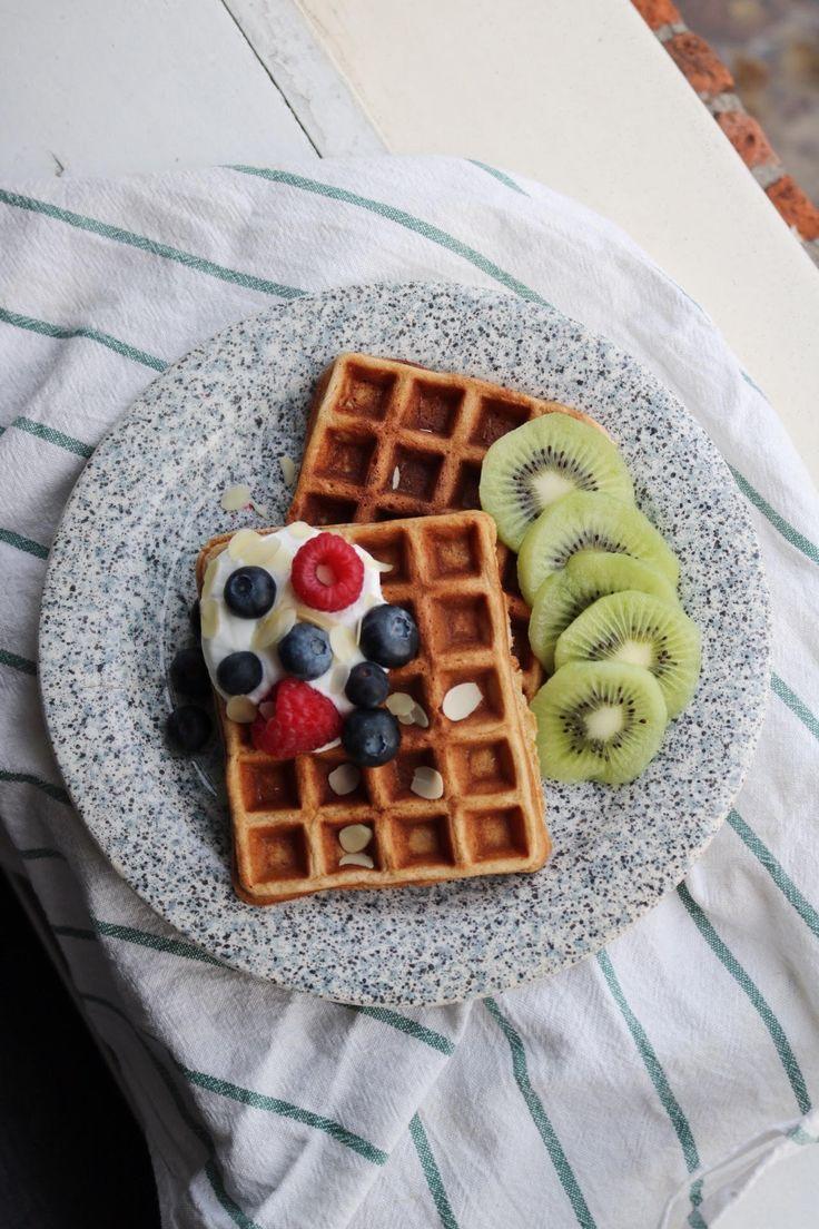 Recept gezonde wafels met vers fruit // recept ontbijtwafels