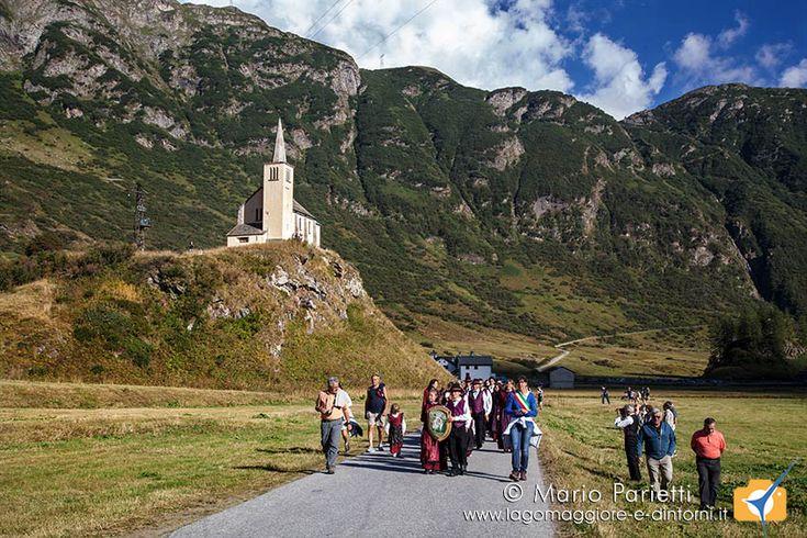 """La """"Sbrinz Route"""" a Riale. tradizionale rievocazione dell'antica via di collegamento tra Lucerna e Domodossola"""