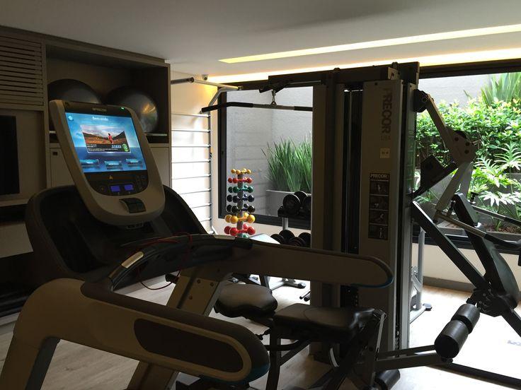 Fitness center do hotel Nomaa em Curitiba