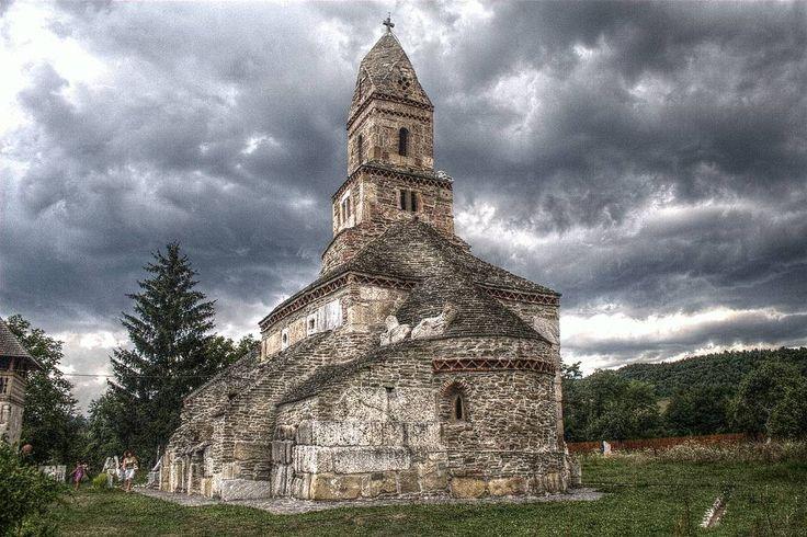 Cea mai veche biserica de piatra din Romania 1