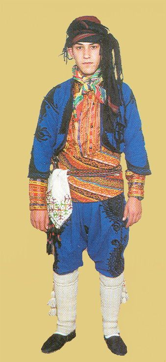 Traditional costume of the people's militia from the Yörük villages in the Bilecik-Söğüt area.  Late-Ottoman, circa 1900.   Recent versions of the costume are still in use when men participate in the annual Yörük festivals in the province.  This one is a recent workshop-made copy, as worn by folk dance groups.