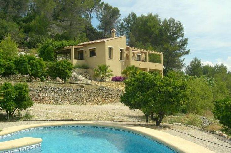 Fraaie vakantievilla te huur in Murla. Perfect voor een leuke vakantie aan de Costa-Blanca te Spanje.