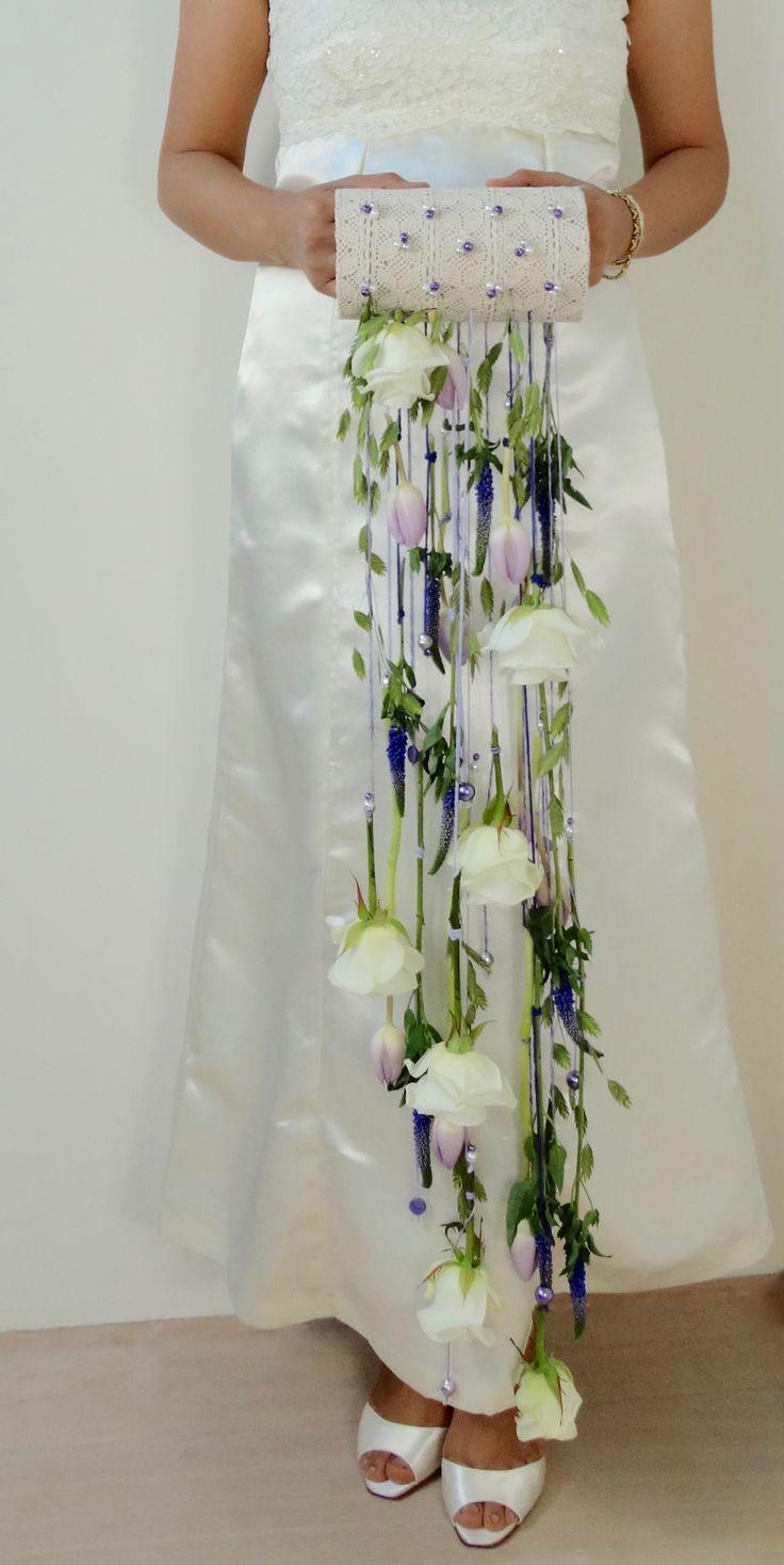 Bruidsboeket met Rosa, Veronica, Tulipa en Chasmanthium latifolium, door Natys Floral Design & Services