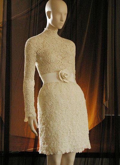 Las prendas ganchilleadas de Josep Mestres 02/24/2013 por lamaisonbisoux Josep Mestres, responsable del blog Crochetmes3, es un diseñador de prendas tejidas especializado en ganchillo.