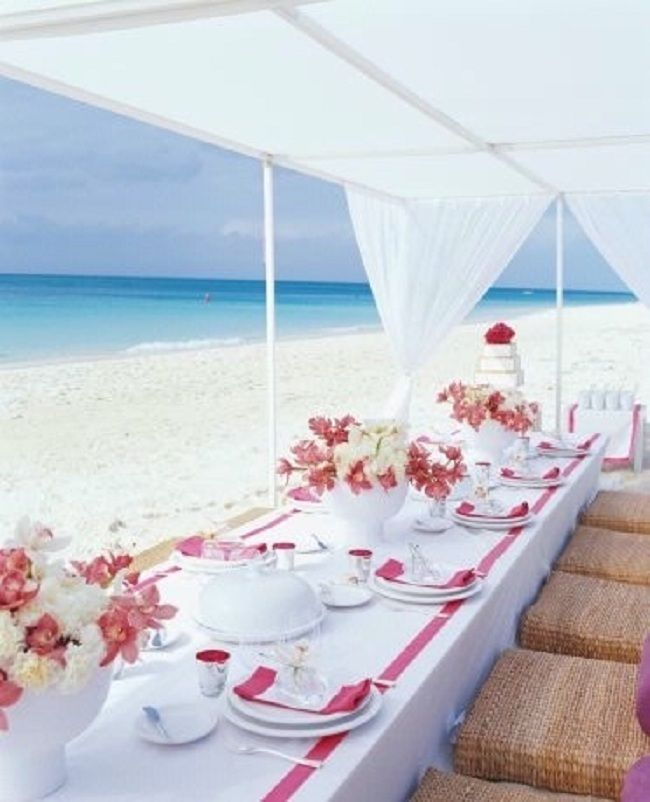 Love this white and pink table wear