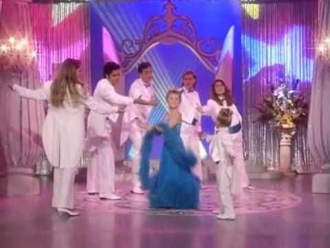 She's Dancing, She's Stephanie Tanner Video. That was so hilarious and adorable! :)