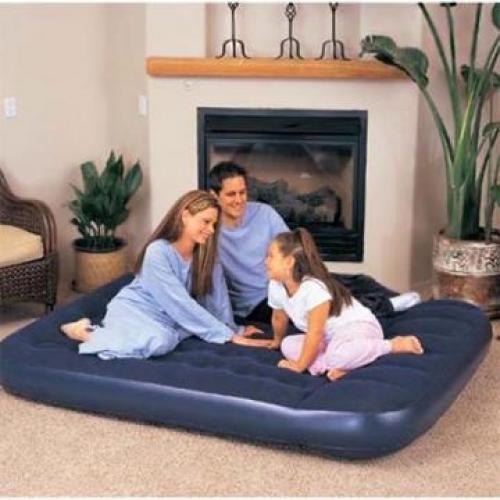 Bestway 67226    Кровать надувная    Отличная альтернатива обычной кровати. Она пригодиться в поездке, на даче, а также для размещения гостей дома.