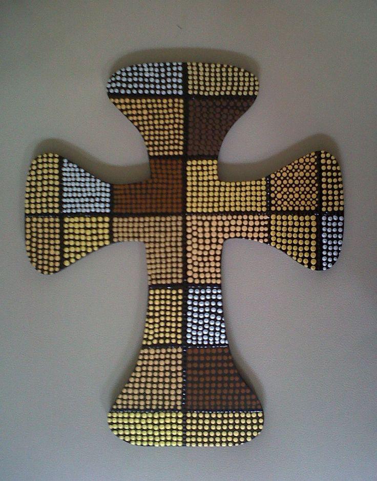 cross painted on pointillism / Cruz pintada en puntillismo
