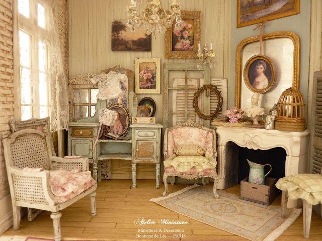 Atelier Miniature, Boutique de Léa, Entrez dans une nouvelle dimension et, découvrez un univers de charme, hors du temps ! Je vous invite à visiter mes maisons miniatures réalisées à l'échelle 1/12, inspirées par l'air du temps, la décoration et la brocante.