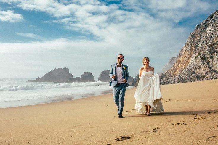 Praia da Adraga has one of the most beautiful surroundings for your vintage wedding sessions - www.myvintageweddingportuga.com | #weddinginportugal #vintageweddinginportugal #vintagewedding #portugalwedding #myvintageweddinginportugal #rusticwedding #rusticweddinginportugal #thequinta #weddinginsintra #summerweddinginportugal