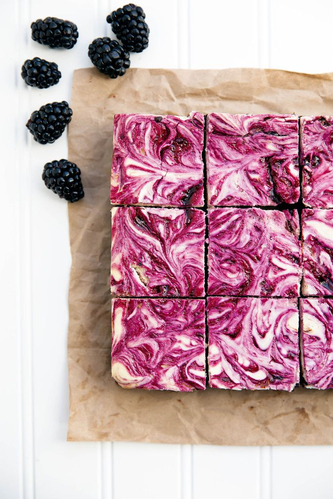 Mustikka-juustokakku-browniet // Blackberry Cheesecake Brownies  bromabakery.com