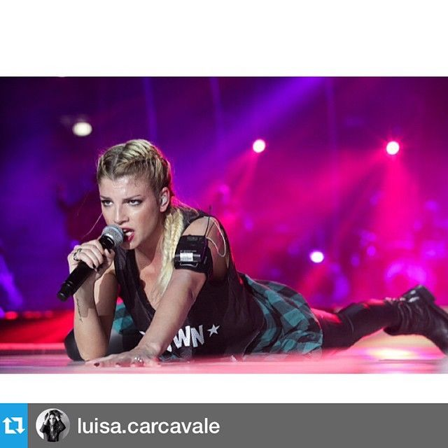 #EmmaMarrone Emma Marrone: #Repost @luisa.carcavale with @repostapp.・・・EMMAtrepuntozero / Tour 2014 DVD #emmamarrone #emmatrepuntozero #dvd #music #live #forumdiassago