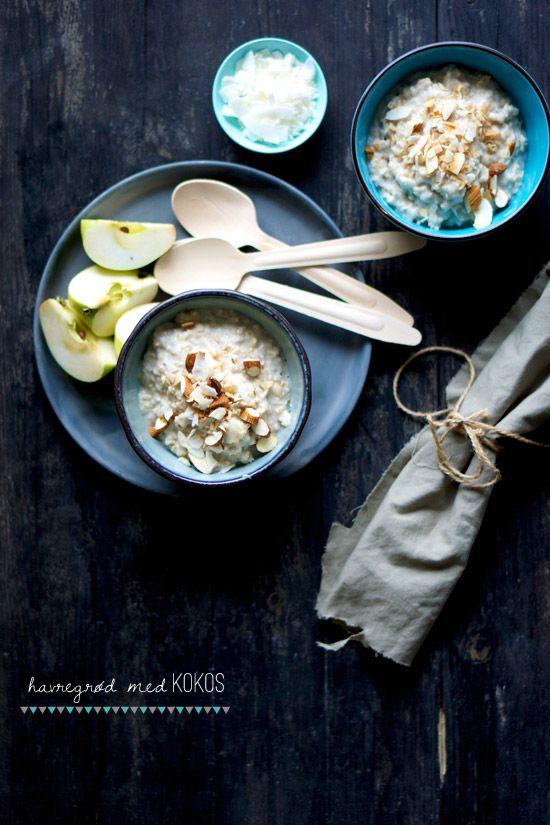 Havregrød med kokos - og - skyr med figner og mandler