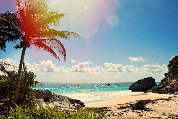 Cancún é uma cidade mexicana que fica nos mares do Caribe. Ela é um dos destinos de viagem mais procurados no méxico, com suas praias com águas entre o azul-turquesa e o verde-esmeralda e areia branquinha. O clima tropical garante temperaturas quentes durante todo o ano. Com o inverno chegando, nada melhor que fugir para uma praia paradisíaca, você não acha? Vem com a gente pra Cancun! #viajarficoufacil #vff #viagem #viajar #viagemtop #turismo #voo #aereo #hotel #hospedagem #barateza…