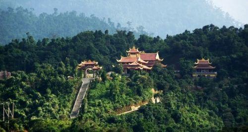 Thiền Viện Trúc Lâm Bạch Mã  Tour du lịch Huế