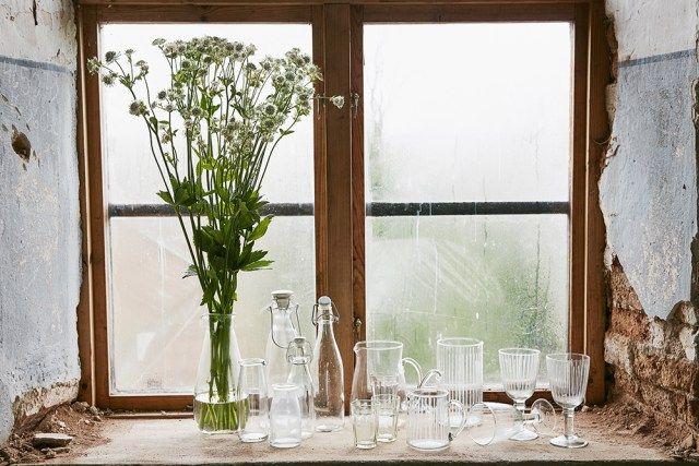 Strömshaga, Stromshaga, Glass, glas, window, vintage, summer bouquet, bukett, blommor, sommarblommor,duka, servera, glassware, porslin, servis, vinglas, dricksglas, karaff, kanna, glas