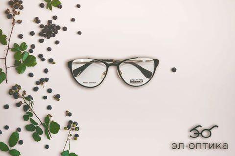 Цена: 2500 сом. Женские очки, представленные в нашем магазине - это в первую очередь, неповторимый, актуальный дизайн. Изящество линий, неповторимый стиль оправы, высокое качество изготовления. Все очки сертифицированы по стандартам ГОСТ, сертификат качества можно посмотреть на сайте или спросить у продавца в нашем салоне-магазине!
