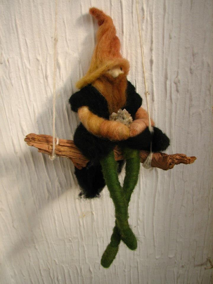 needle-felt elf by mialma.cl