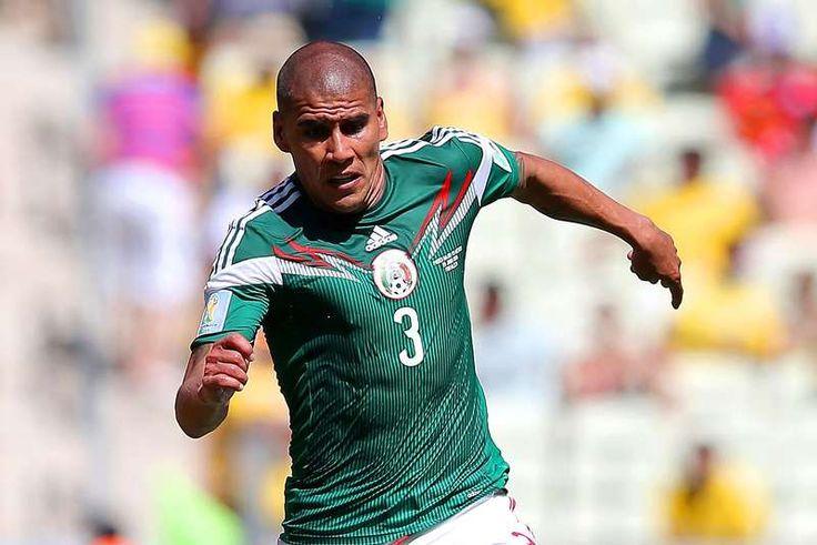 CARLOS SALCIDO ES CONVOCADO A LA SELECCIÓN MEXICANA || El técnico nacional, Miguel Herrera, destapó a Carlos Salcido como uno de los futbolistas que serán convocados este jueves, de cara a los encuentros amistosos de la próxima semana ante Chile y Bolivia.
