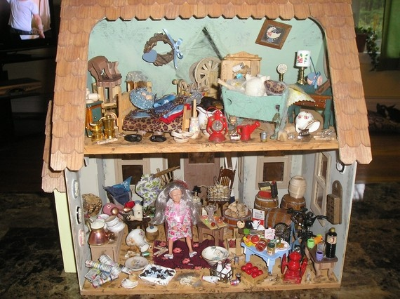 Hoarder Dollhouse - My friend Autumn and I had this idea two years ago!