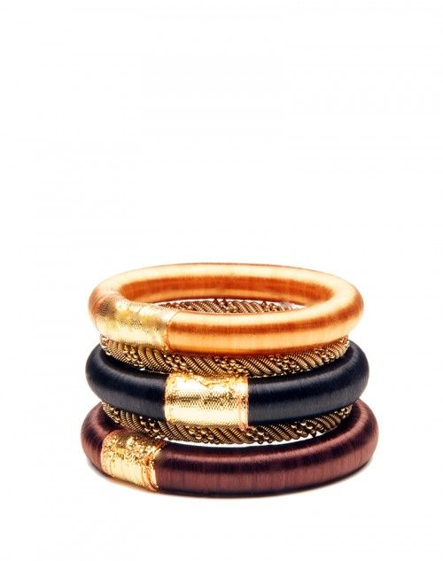Welcoming earthen hues accented with our simple gold bangles make Santa Fe the perfect accessory to wear with your LBD! This stack has 3 thick silk bangles intermingled with two metal ones. www.hamptonbanglecompany.com #bracelets #fashion #jewelry #trend #style #accessory #sexy #bangles  #imaginehappy