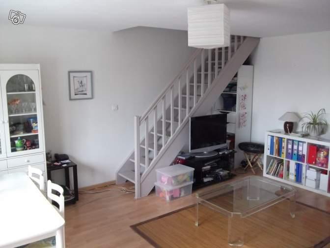 Escalier gris clair home pinterest salons - Escalier blanc et gris ...
