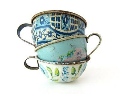 vintage tea cups..