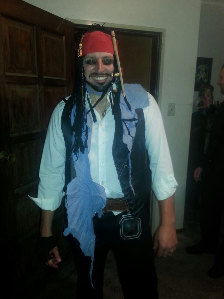 Marcel 3rd in line 21st. P theme. Posing as Captain Jack Sparrow