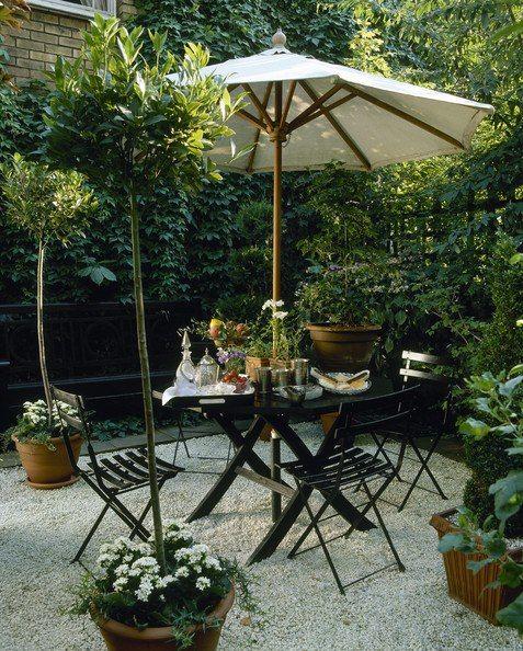 wonderful breakfast nook in the garden